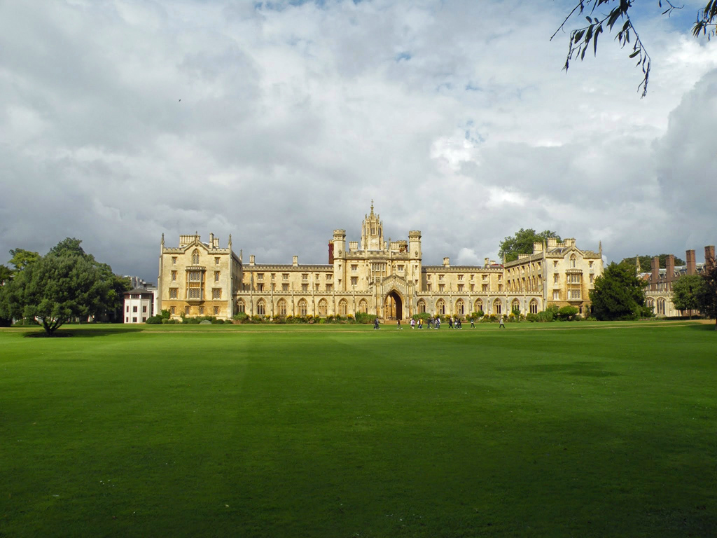 Blenheim Palace with Oxford School of English